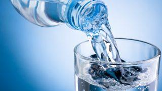 空気中から水をつくる装置を紹介する